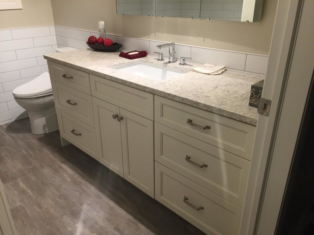 Bathroom – Maple – Cloud White